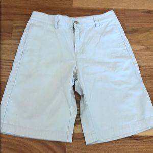 Boys tan flat front vineyard vines shorts size 12